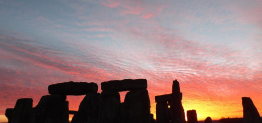 A gorgeous sunrise over Stonehenge